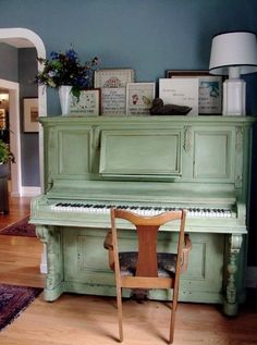 When i was growing up, My neighbors had a piano just like this...but unpainted. I spent countless hours pounding away on it. Good memories.