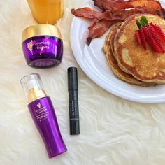 Get her something better than breakfast in bed this Mother's Day. #Younique Shop the Adore Her Bundle at the link in our bio!