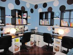 Great space for kids to do their homework or study...do you home school your kids? #kidsdecor