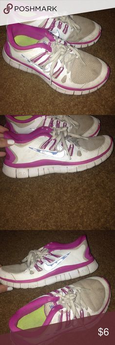 Nike shoes Nike shoes been cleaned but been used for a awhile still in good condition. Nike Shoes