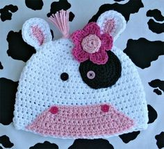 The Crochet Cow Hat is ready to be an 'udder' success. It's a cute pattern to crochet for kids, babies, or even teens and adults. The double crochet stitch should give the hat some stretch. Crochet Animal Hats, Crochet Cow, Crochet Kids Hats, Crochet Beanie Hat, Cute Crochet, Crochet Crafts, Crochet Hooks, Crochet Projects, Knitted Hat