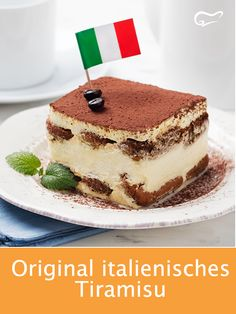With the help of this recipe and these instructions for an original Italian tiramisu, the popular dessert succeeds. With the help of this recipe and these instructions for an original Italian tiramisu, the popular dessert succeeds. Italian Tiramisu, Italian Desserts, Italian Recipes, Healthy Dessert Recipes, Easy Desserts, Delicious Desserts, Cake Recipes, Dessert Simple, Desserts Sains