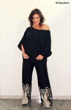 Coloro che saranno in grado di portare il sole dentro se stessi... Lo porteranno anche nella vita degli altri.. ;) #TagsForLikes #follow #followme #andria #puglia #italy #bloggers #style #fashionstylist #fashion #modadonna #love #amazing #knitwear #fashiondesigner #isabelladimatteotricot #girls #women #shoponline #shopping #abbigliamentosumisura #sexy #work #cute #dress #model #outfit #mode #curvygirl #black