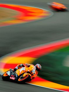 Casey stoner!! Number 1 rider!! No one will ever take his place
