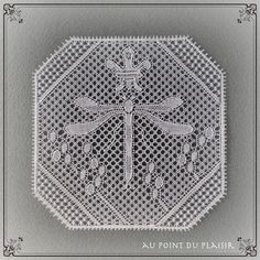 *Au point du plaisir* bobbin lace, flanders lace