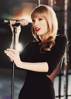 Taylor Swift so pretty!