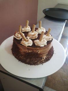Torta fría de chocolate con pirulin
