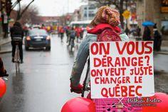 Manifestation à Montréal. Tout le monde était en vélo pour faire un tour de l'île. Nous étions peut être 1000 pendant 2h30 à rouler dans les rues. Superbe façon de protester contre la hausse de 1625$.