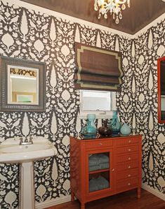 House of Turquoise: Jenn Feldman Designs, Schumacher wallpaper House Of Turquoise, Turquoise Nursery, Turquoise Bathroom, Painted Chest, Bathroom Wallpaper, Bathroom Colors, Beautiful Bathrooms, Interior Design Inspiration, Home Design