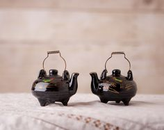 Vintage Black Teapot Salt and Pepper Shakers