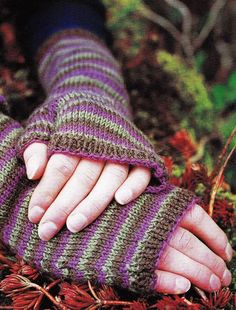 Fingerless Gloves (Free Knitting Pattern) - Craftfoxes This is knitted flat, then seamed up.  Nice for folks who don't like to knit-in-the-round.  You also can see and print the pattern without downloading it.
