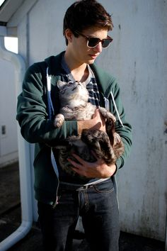 hot guy and a cat, yeah. Im in love.