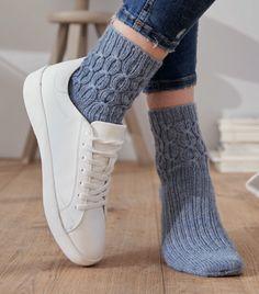 Knitting Socks, Hand Knitting, Knitting Patterns, Hand Crochet, Crochet Hooks, Knit Crochet, Baby Blanket Crochet, Crochet Baby, Cute Work Outfits