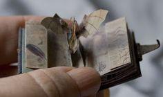 Chapurreao: Leonardo da Vinci. Miniature pop-up book by Sara Alvarez. Amazing.