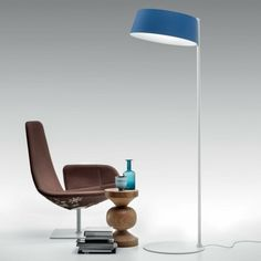 The Oxygen Floor Lamp by Linea Light can be used at home or office to enlighten the space. Standing on a round base, a straight rod supports a polyurethane lampshade with an LED light source. Modern Lighting Design, Rustic Lighting, Recycled Home Decor, Rustic Mirrors, Bamboo Furniture, Mid Century Lighting, Modern Floor Lamps, Office Lighting, Industrial Furniture