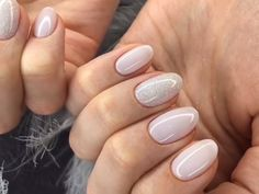 beautiful ombre nails 98 ideas for best nails 2020 Nail care is very important because : Nails problems may indicate problems with your heart, lungs, kidneys… Here you will find the steps to keep your nails look and feel best. Manicure Gel, Manicure Nail Designs, Gel Nail Tips, Glitter Manicure, Nails Design, Shellac, How To Do Nails, Fun Nails, Nice Nails