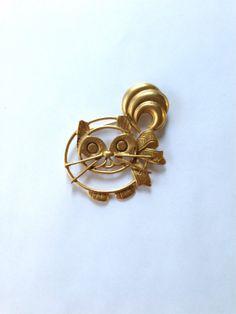 Vintage GoldTone Cat Brooch by MtLaurelTreasures on Etsy, $4.75