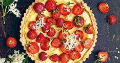 Jordgubbspaj med fläderkräm Fika, Pepperoni, Gelato, Vegetable Pizza, Food Inspiration, Food Porn, Strawberry, Sweets, Cookies