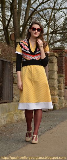 Vintage Dresses, Vintage Outfits, Heart Shaped Glasses, Ootd Spring, Yellow Springs, Outfit Posts, Czech Republic, Fashion History, Fashion Bloggers
