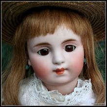 """Rare & Unusual 16"""" Early, Closed-Mouth German Bebe Doll"""