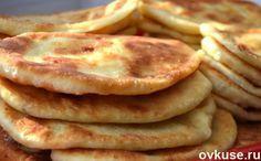 Катаные пирожки / Простые рецепты. Вам понадобится: 300гр молока 1 яйцо 1 ст.ложка сахара 0,5 ч.ложки соды уксус мука масло растительное картофель,можно грибы,фарш,шкварки лук,перец молотый,соль
