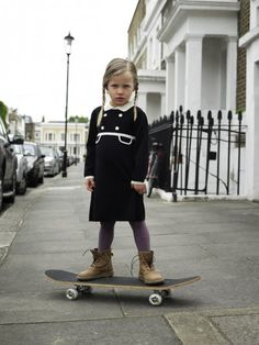 Viola in her bad days will look dark like this. Look Fashion, Fashion Kids, Girl Fashion, Street Fashion, Girls Skate, Designer Kids Clothes, Kid Styles, Kind Mode, Swagg