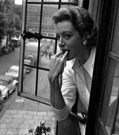 Ingrid Bergman Jean Simmons and Marlon Brando Deborah Kerr Clark…: everyday_i_show Deborah Kerr, Golden Age Of Hollywood, Classic Hollywood, Old Hollywood, Hollywood Icons, Hollywood Divas, Hollywood Actresses, Por Tras Das Cameras, The Sweetest Thing Movie