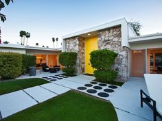 new ideas for entry door modern palm springs Beton Design, H Design, Design Ideas, Mid Century Exterior, Palm Springs Style, Googie, Modern Exterior, Mid Century House, The Ranch