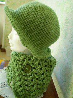 Cappello e scalda collo in lana fatto a mano ... Uncinetto