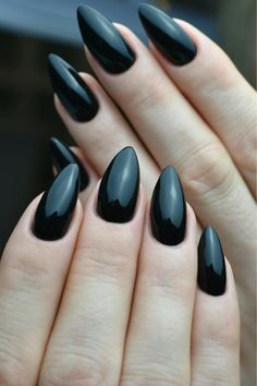 Mr Black Gel Polish by Indigo Educator Kinga Kryńska #nails #nail #indigo #indigonails #black #blacknails #sexy