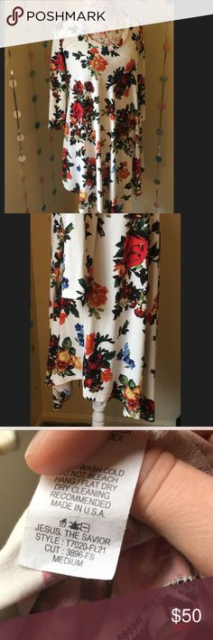 Floral flowy dress SUPER cute, really considered keeping this one because I'm in love with the pattern!! Rare find, beautiful soft material! NWOT from a local boutique reb & J. 220 Dresses