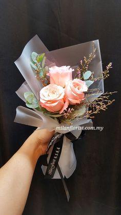 Boquette Flowers, How To Wrap Flowers, Luxury Flowers, Paper Flowers, Beautiful Flowers, Single Flower Bouquet, Small Flower Bouquet, Flower Box Gift, Floral Bouquets