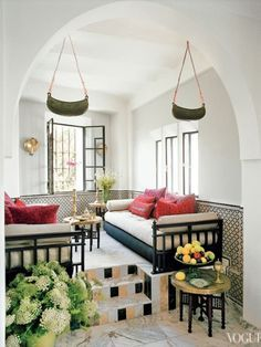 Of course heralded shoe designer Bruno Frisoni of Roger Vivier would have a home in Tangier as fabulous as the one featured in Vogue, complete with facing daybeds—the perfect set up for afternoon tea and lengthy conversations (or catnaps). Do not underestimate the value of a good daybed.. or two!