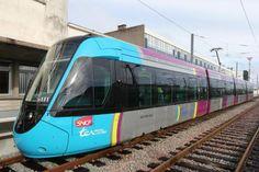 Los Ferrocarriles Franceses reabren como tren tram una línea cerrada hace 34 años El nuevo servicio liga las ciudades de #Nantes y Châteaubriant #alstom #citadis #railway #rollingstock #ligthrail