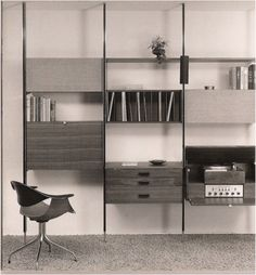 Industrial designer George Nelson's storage wall (which he invented). Diy Kids Furniture, Used Office Furniture, Modern Furniture, Furniture Design, Furniture Ads, Muebles Home, Retro, Shelving Systems, George Nelson