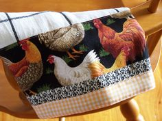 Home chicken, rooster, chook tea towel. Small Sewing Projects, Sewing Crafts, Sewing Ideas, Diy Crafts For Gifts, Diy Crafts Videos, Dish Towels, Tea Towels, Rooster Kitchen Decor, Kitchen Fabric