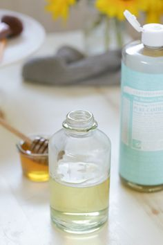 A super easy DIY homemade honey face wash that works to heal and cleanse skin. Only three ingredients!!