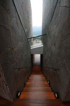 Wow!!! Definitely an original staircase. Perfect for an amazing view.