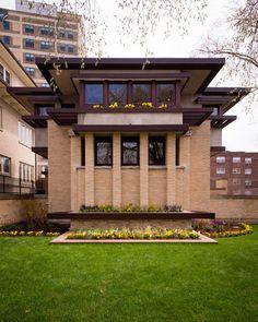Emil Bach House / 7415 N. Sheridan Rd., Chicago, IL / 1915 / Prairie / Frank Lloyd Wright