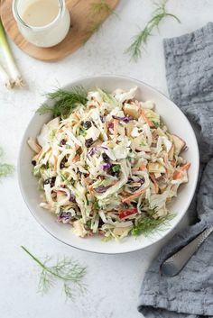Creamy No Mayo Coleslaw is a crunchy and addictive cabbage slaw with apples and fennel tossed in a creamy no mayo coleslaw dressing! Creamy No Mayo Coleslaw No Mayo Coleslaw, Apple Coleslaw, Coleslaw Dressing, Mayo Dressing, Italian Dressing, Spinach Salad Recipes, Chicken Salad Recipes, Healthy Salad Recipes, Vegetarian Salad