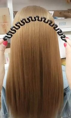 Hairdressing Weaving Artifact - Hairdressing Weaving Artifact You are in the right place about hair videos Here we offer you the mo - Easy Hairstyles For Long Hair, Cute Hairstyles, Hairstyle Ideas, Stylish Hairstyles, School Hairstyles, Plaits Hairstyles, Videos Of Hairstyles, Simple Braided Hairstyles, Hairstyles For Women