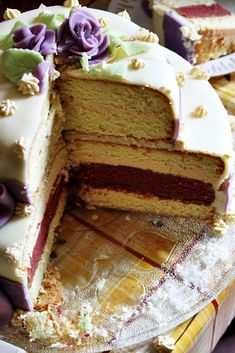 Rozkrojený dort Vanilla Cake, Red Velvet, Food, Essen, Meals, Yemek, Eten