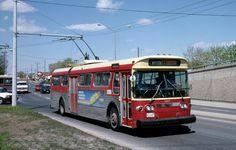 Toronto Flyer trolleybus in 1987