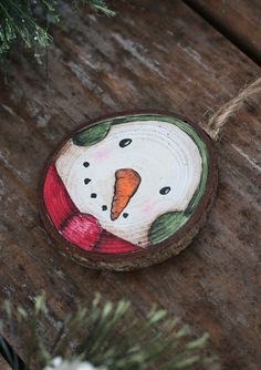 Diy Christmas Decorations Easy, Christmas Ornament Crafts, Snowman Ornaments, Personalized Christmas Ornaments, Christmas Art, Holiday Crafts, Beach Christmas, Christmas Treats For Gifts, Xmas