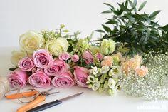 DIY -kukkakimppu. Tee itse kukkakimppu - katso ohjeet. Floral Wreath, Wreaths, Home Decor, Homemade Home Decor, Door Wreaths, Deco Mesh Wreaths, Garlands, Floral Arrangements, Decoration Home