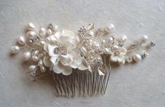 Ivory flower hair comb. Bridal hair comb. by ShesAccessories