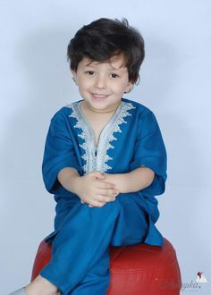 Morrocan Fashion, Little Girl Dresses, Girls Dresses, Boys Kurta Design, Aladdin Costume, Moroccan Dress, Kurta Designs, Caftans, Kids And Parenting