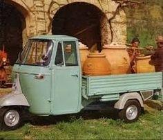 """Résultat de recherche d'images pour """"photos vespas voitures italiennes"""""""