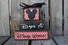 This is a great countdown.  Minnie's head is chalkboard vinyl.