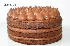 Bizcocho negro con capas de chocolateBavette   Bavette
